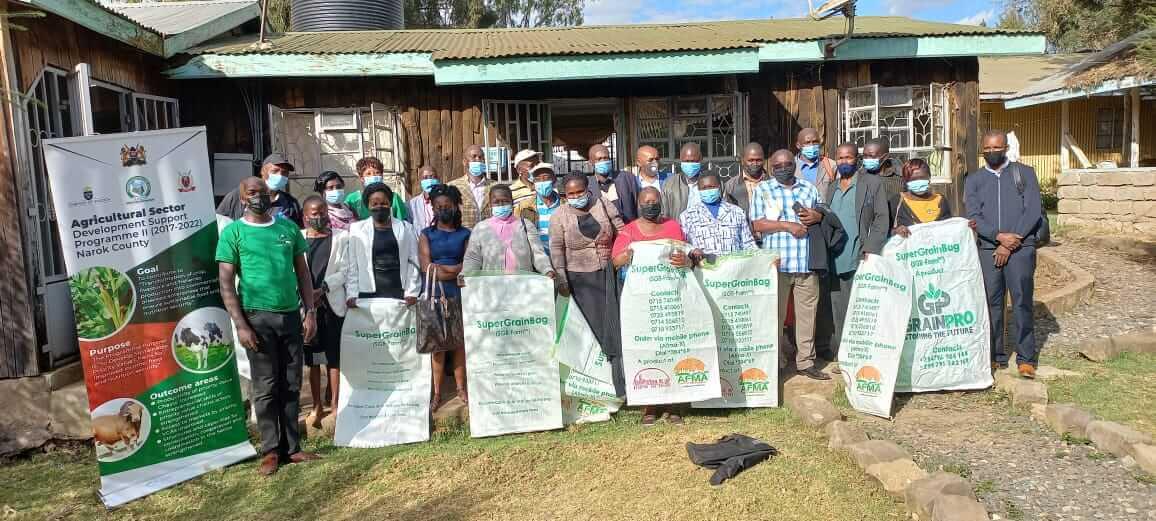 rift valley farmers using grainpro bags