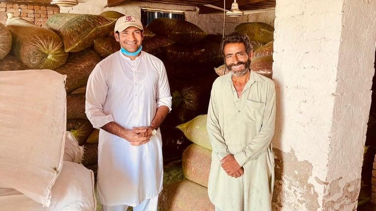 farmers-with-grainpro-bags